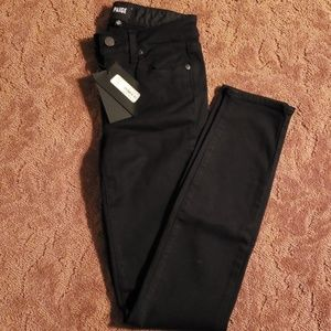 "BRAND NEW PAIGE ""Hoxton"" Skinny Jeans"